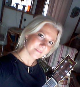 marika-guitar